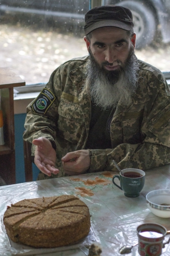 meet-muslim-the-chechen-commander-battling-russia-with-some-unlikely-allies-body-image-1439296924.jpg